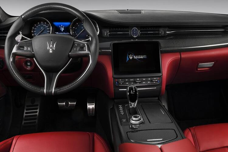Maserati Quattroporte Saloon 3.0 V6 350PS  4Dr ZF [Start Stop] inside view